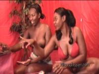msaquafinuh n nilou fist booby show 16.jpg